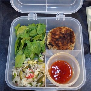 Thai tuna fishcakes with spinach & sweet chilli sauce